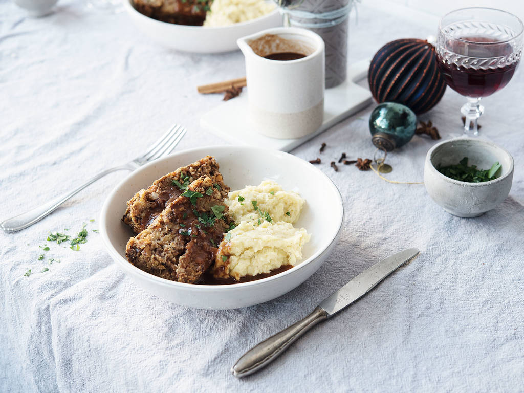 Nut roast with gravy and mashed potatoes
