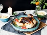 Gebackenes Hähnchen mit Blutorangen und Polenta