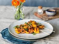 Ananas-Garnelen-Spieße mit Honig-Knoblauch-Glasur