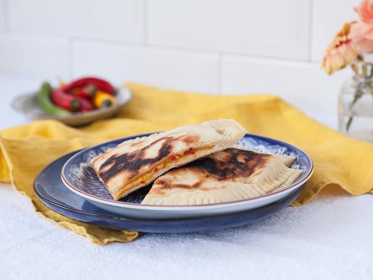 Würziges Käse-Naan