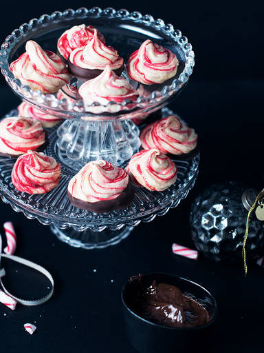 Candy cane meringues