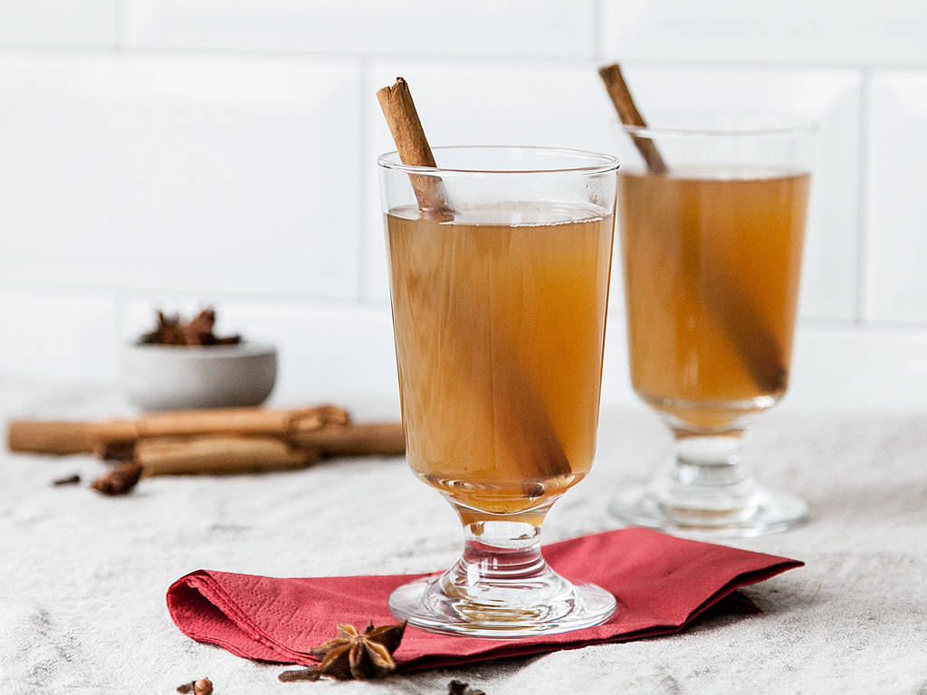香料苹果宾治酒