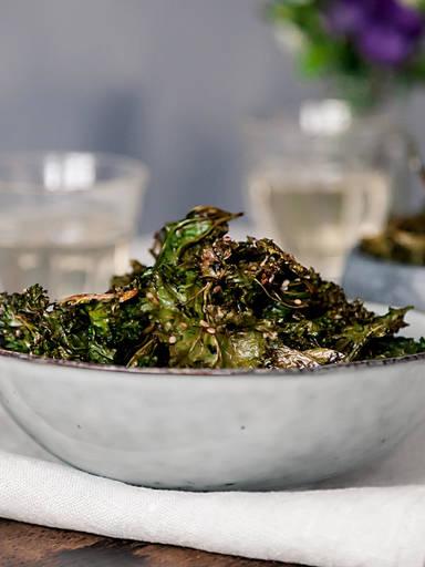 Kale chips, 2 ways