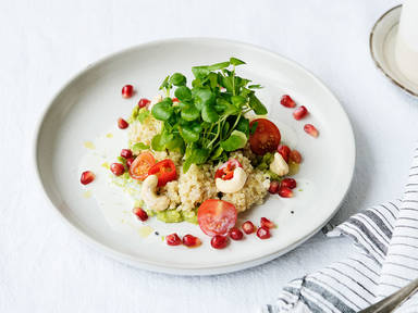 Quinoa salad with guacamole and buttermilk-dressing