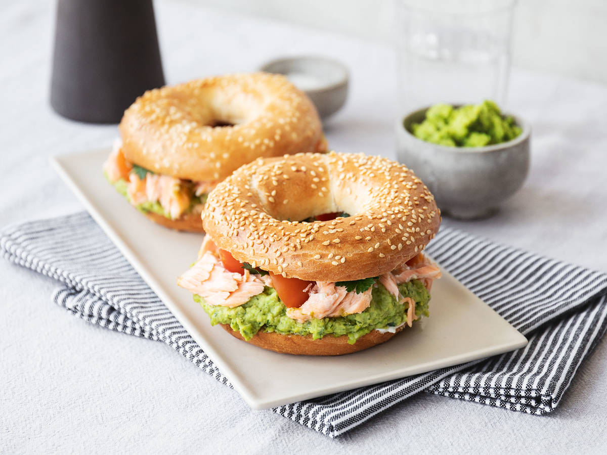 Salmon bagel burger with pea hummus