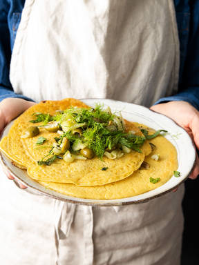 5-ingredient chickpea pancakes with fennel and olives