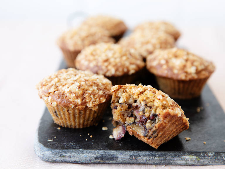 Chocolate-cherry-oat muffins