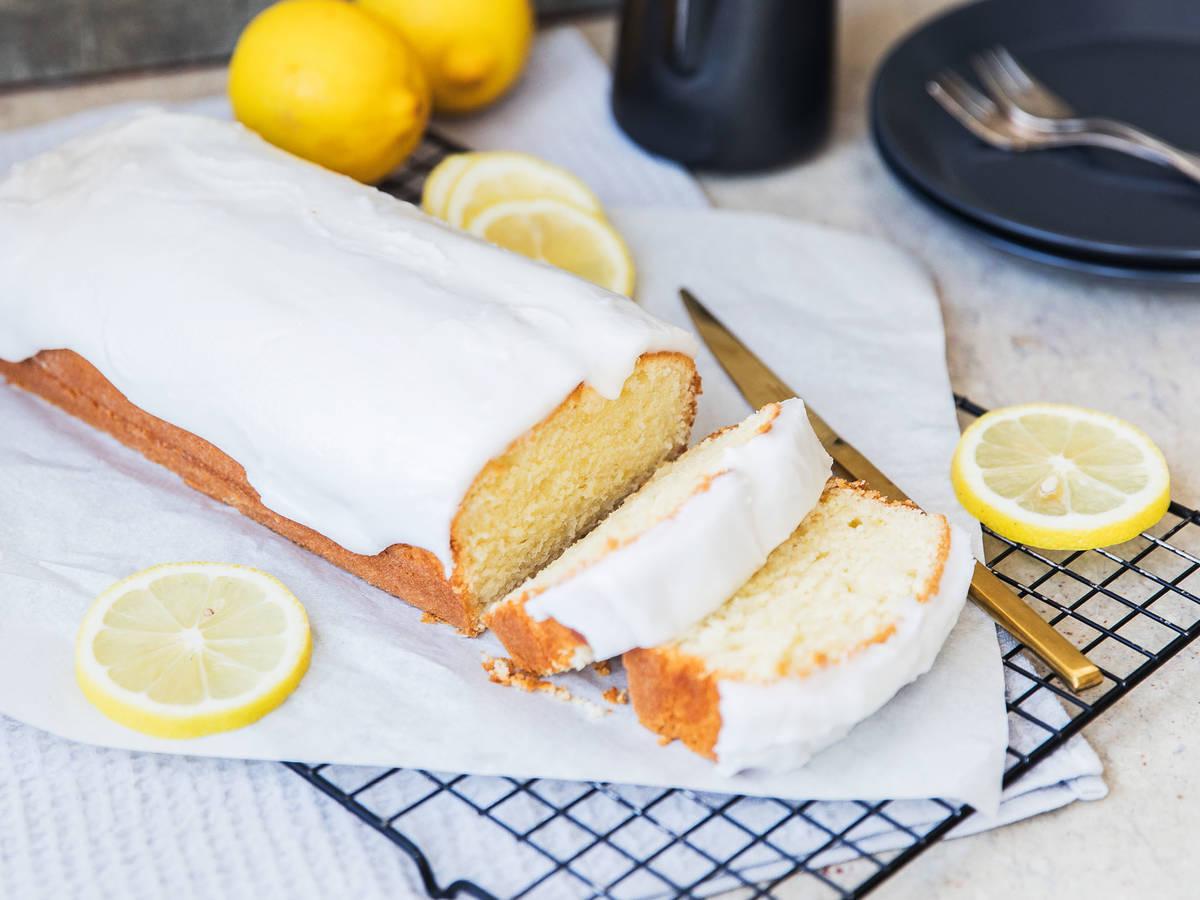 Zitronenkuchen mit Zuckerguss