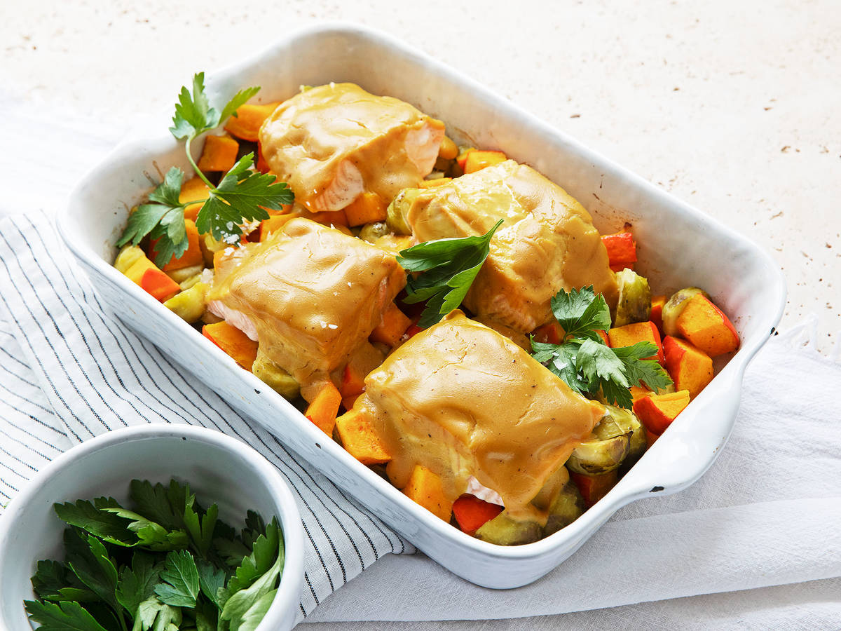 Mustard-baked salmon with vegetables