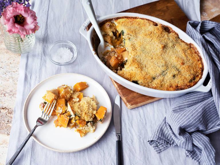 Pumpkin-spinach gratin with crispy Parmesan crust