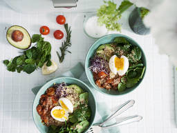 Quinoa breakfast bowl