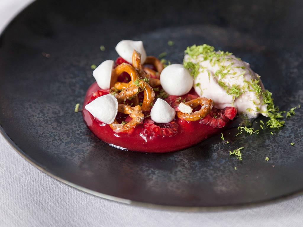 Mascarpone cream with rhubarb and raspberries