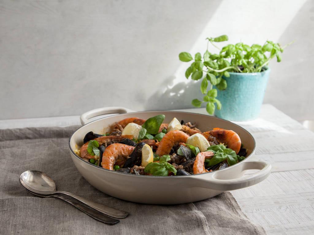 Einfache Paella mit Meeresfrüchten