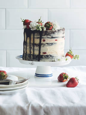 Chocolate-strawberry naked cake