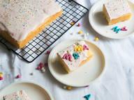 Zitronenkuchen vom Blech mit Vanillecrème