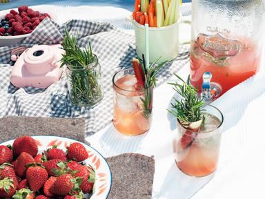 Rhubarb-vanilla cocktail