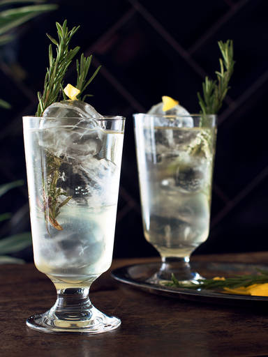 Salty elderflower fizz