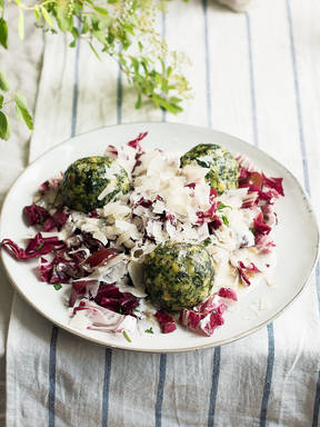 Spinach dumplings with radicchio