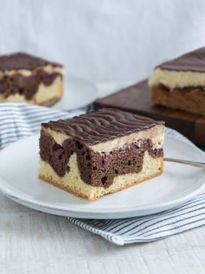 德国多瑙河波浪蛋糕