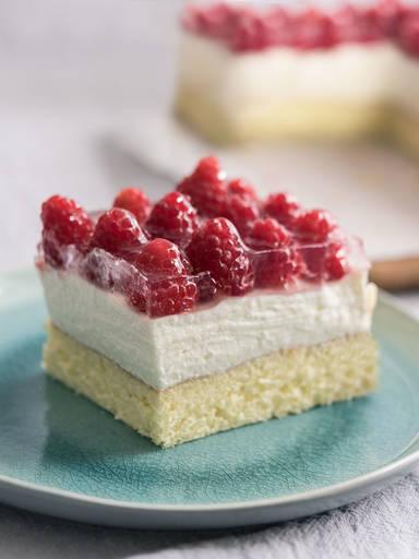 Raspberry sheet cake