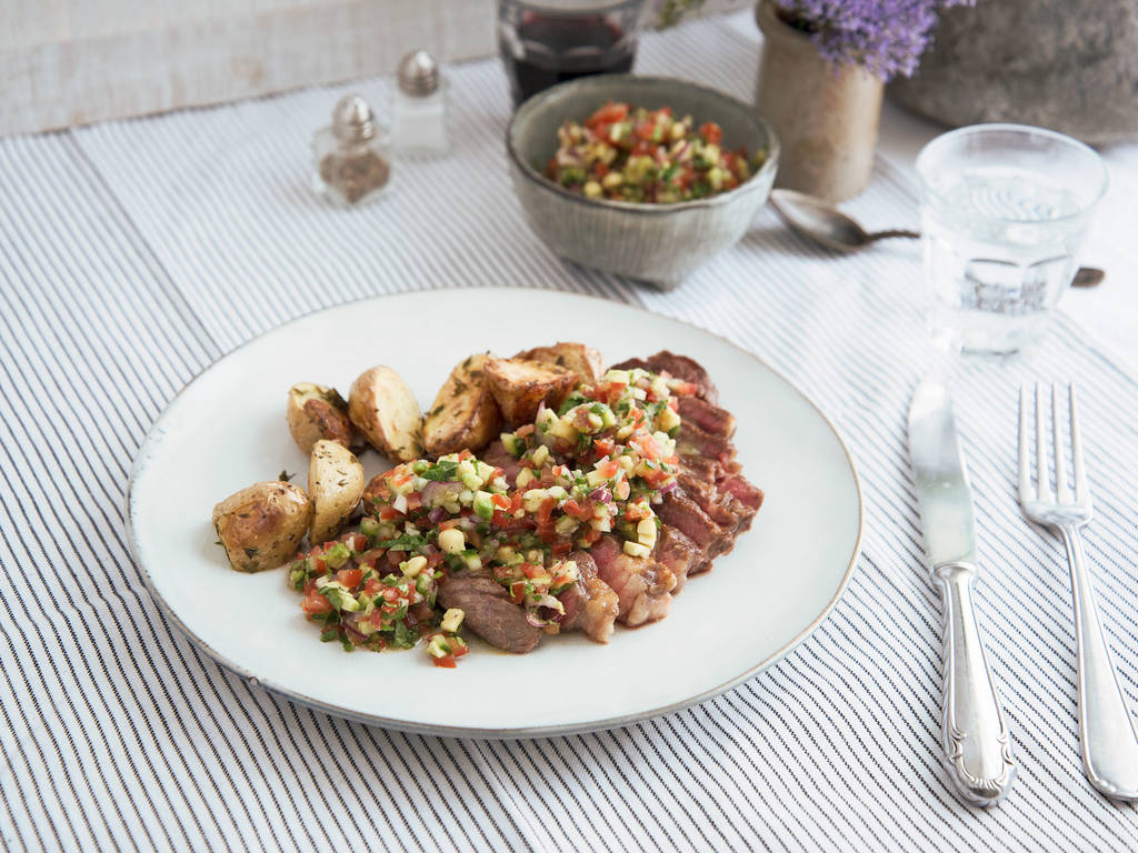 Grilled steaks with pico de gallo