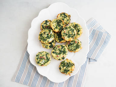 Mini frittatas with spinach and bacon