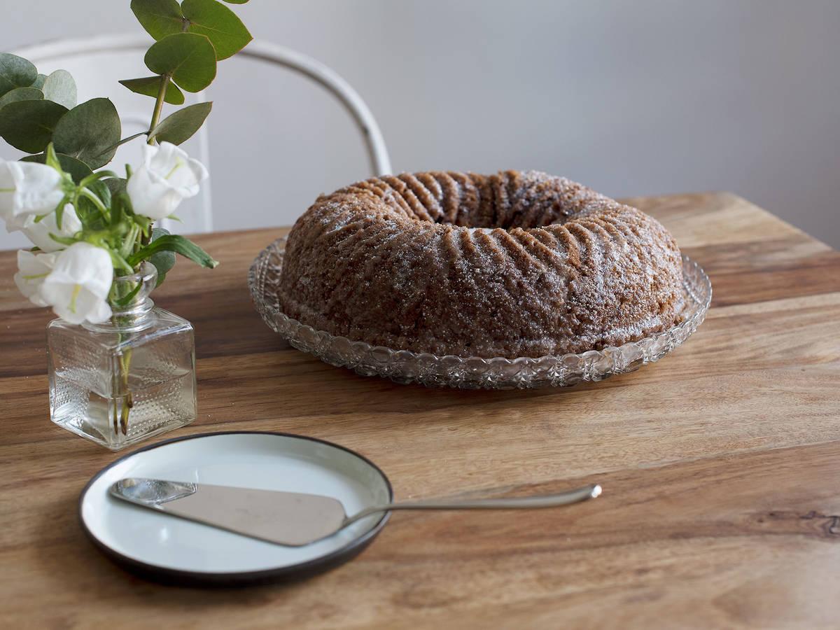 Chai-spiced bundt cake