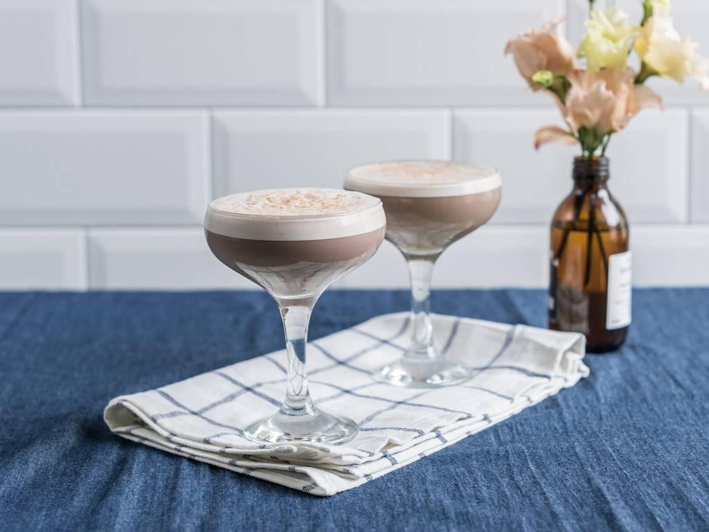 Coffee flip cocktail