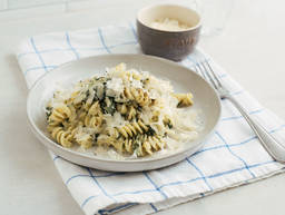 One-pot spinach pasta
