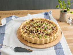 Leek and apple quiche with bacon