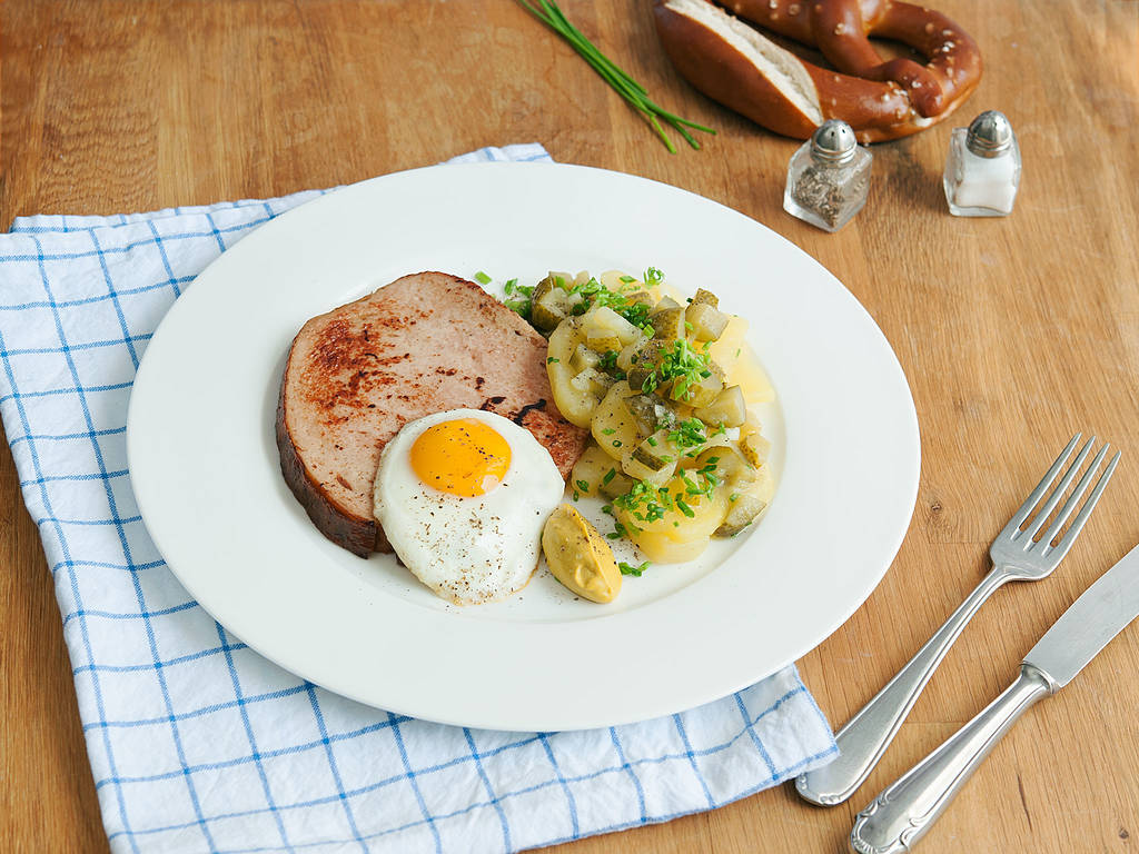 Bavarian meatloaf with potato salad