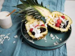 菠萝船水果沙拉