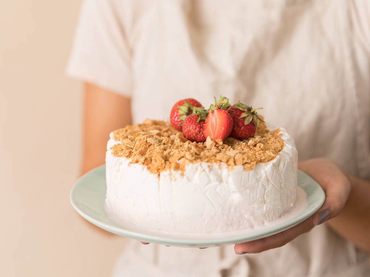 3-ingredient strawberries and cream ice cream cake