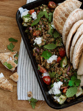 Garlicky lentil salad with yogurt dressing