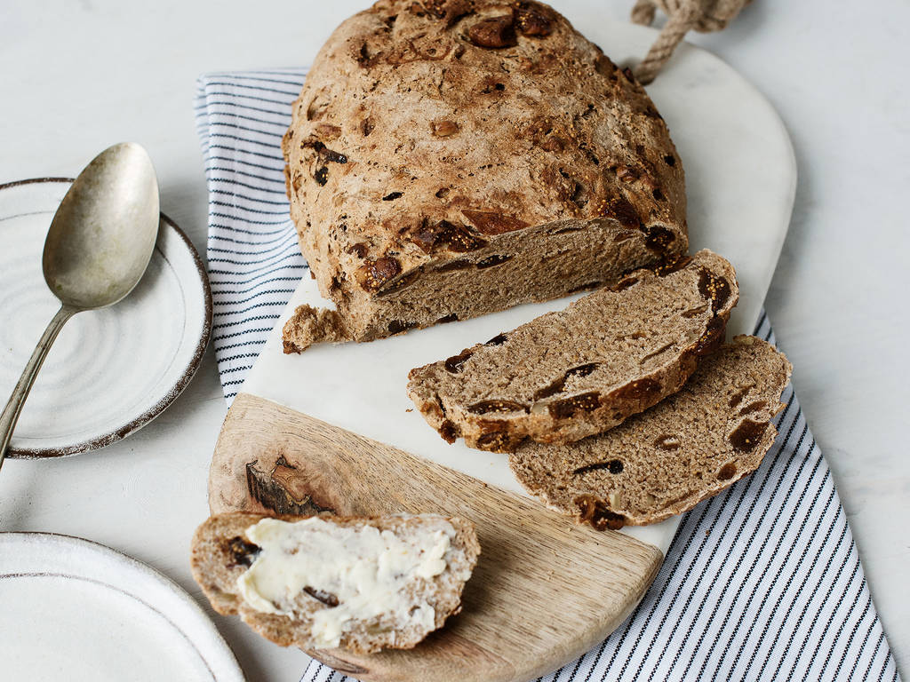 Fig-walnut bread
