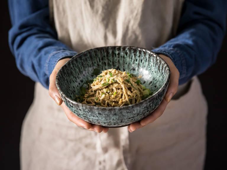 5-ingredient spicy peanut soba noodles