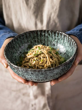 5-ingredient spicy peanut soba noodles