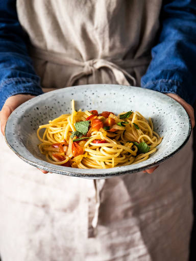 Spaghetti with fennel, tomato, and mint