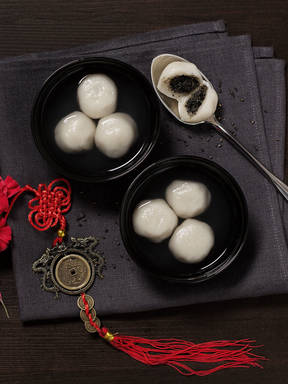 Sweet rice balls with black sesame