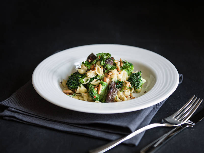 Creamy pasta with broccoli