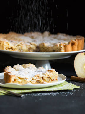 Apple and nut pie