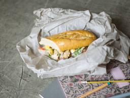 Sandwich mit hausgemachtem Hühnersalat