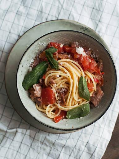 Spaghetti all'Amatriciana with crispy sage