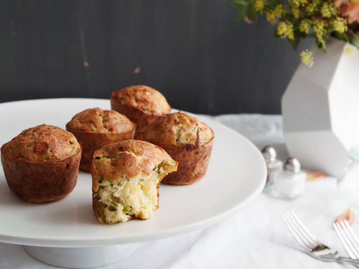 Gruyère and black pepper popovers