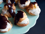 Ice cream-filled profiteroles