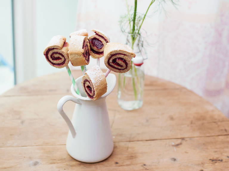 Swiss roll cake pops