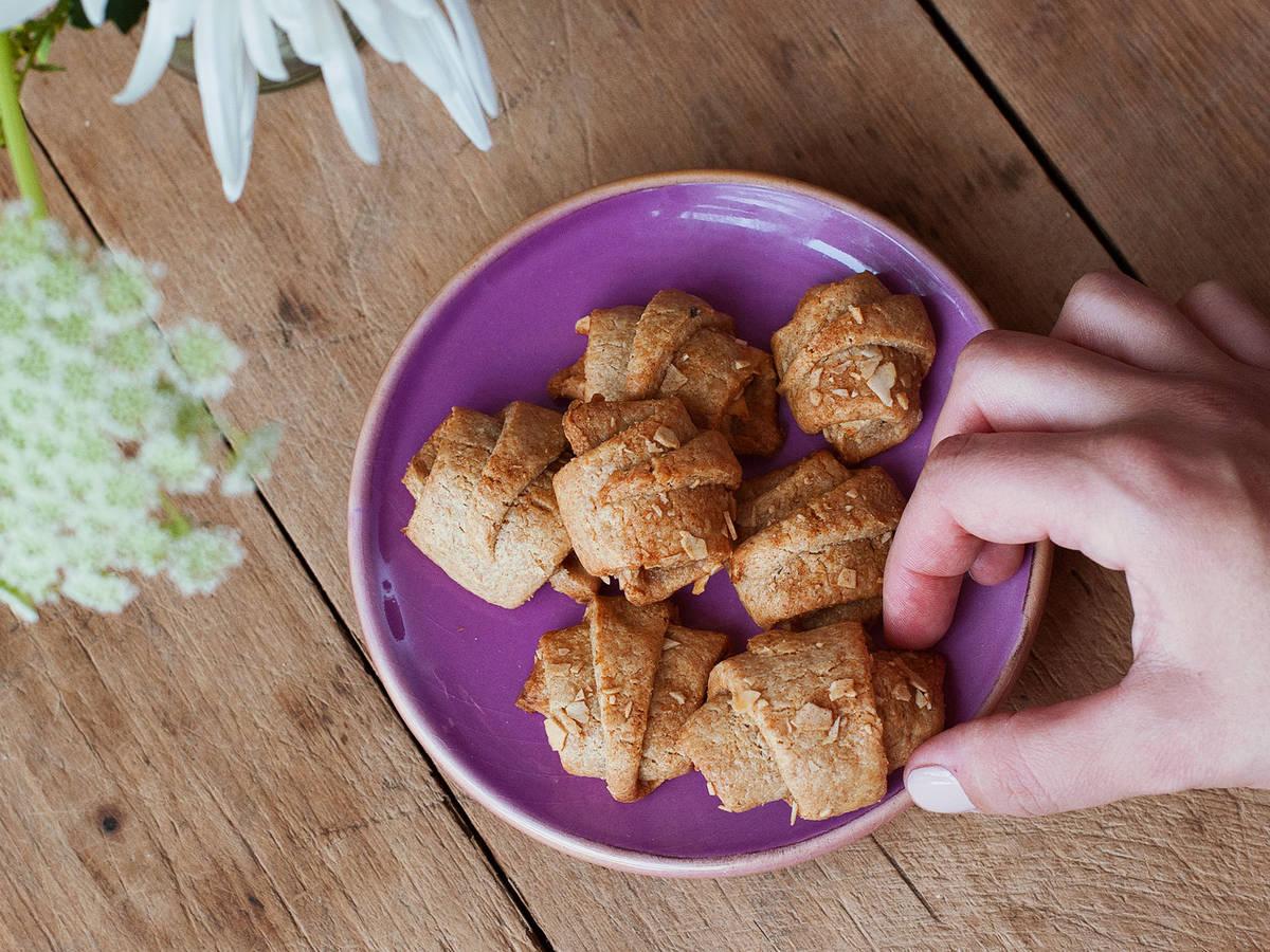 Mini apple croissants