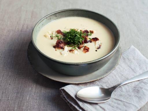 Potato soup with horseradish