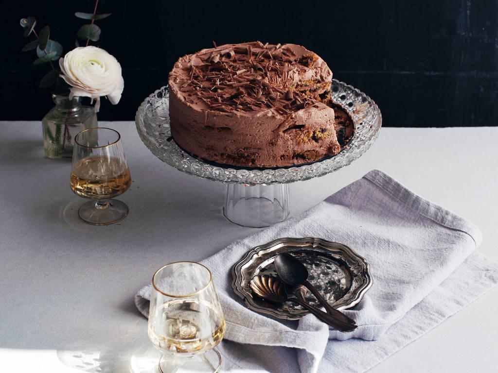 巧克力屑浓缩咖啡冰盒蛋糕