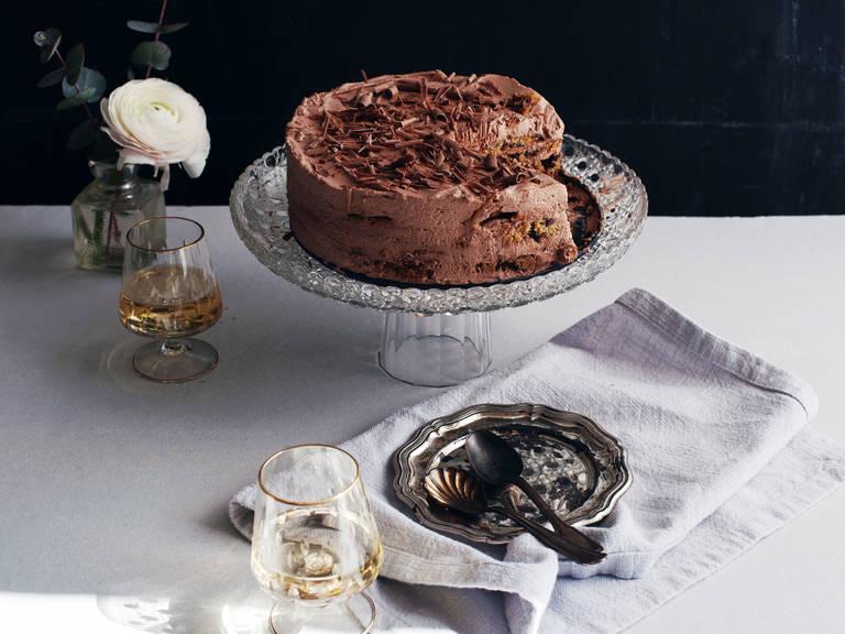 Chocolate chip-espresso icebox cake